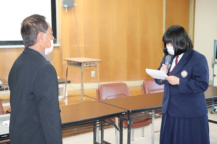 http://www.irabu-h.open.ed.jp/img/r2/0210irabujimakouwa/0210irabujimakouwa_4.JPG